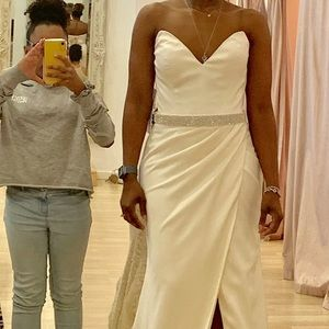 Elegant Wedding/ Formal Evening Gown